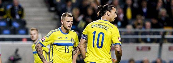 Letzte Hürde Dänemark: Zlatan Ibrahimovic und John Guidetti wollen mit Schweden zur EM.