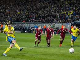 Ibrahimovic trifft, doch J�rgensen l�sst D�nen hoffen