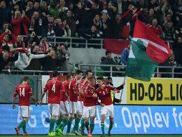 2:1 - Ungarn f�hrt zur EM nach Frankreich!