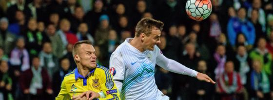 Sloweniens Nejc Pecnic (re.) gegen Ukraines Vyacheslav Shevchuk.
