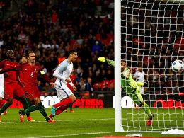 Smalling per Kopf - England m�ht sich zum Sieg