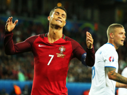 Cristiano Ronaldo giftet, Ricardo Carvalho wie verkatert