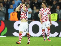 Bitteres Aus: Kroatiens Luca Modric ist tief entt�uscht. Rechts Marko Pjaca.