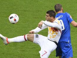 LIVE! Chiellini stochert den Ball ins Tor!