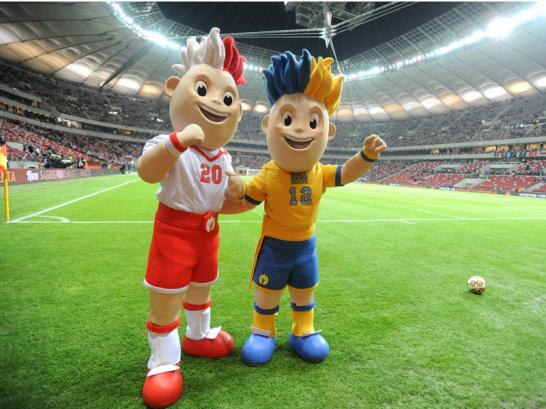 Hier steigt die Er�ffnungsfeier: Erst am 29. Januar 2012 wurde das neue Nationalstadion in Warschau eingeweiht. Die Maskottchen Slavek und Slavko sorgen hier sicher auch bei der ersten Partie der EM 2012 f�r gute Stimmung. Doch auch au�erhalb der Arena gibt es in Warschau einiges zu entdecken.