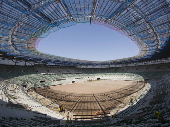 Auch für Breslau musste eine neue Spielstätte her: Eingestuft in die Kategorie Vier der UEFA, zählt das Stadion Miejski zur Elite unter den Plätzen.