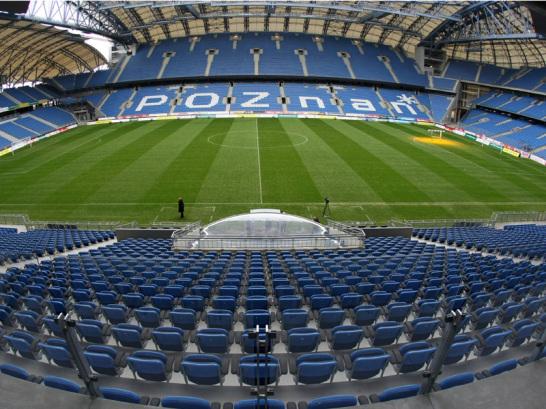 In Posen waren die Bauarbeiten am schnellsten abgeschlossen: Das st�dtische Stadion wurde komplett renoviert und ist schon seit September 2010 bereit f�r seinen Einsatz bei der EM 2012. Drei Vorrundenspiele sollen hier stattfinden: F�r 43.269 Zuschauer ist hier Platz, zu sehen gibt es Spiele aus der Gruppe C mit Italien, Irland und Kroatien.