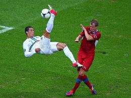 Cristiano Ronaldo, Michal Kadlec (re.)