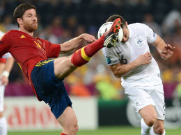 Im Strafraum war Schluss mit lustig: Xabi Alonso stoppt Cabaye