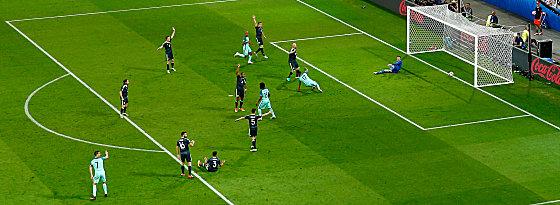 Nani (M.), Cristiano Ronaldo (l.)