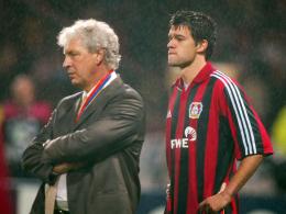Dreimal Vize: Leverkusens Trainer Klaus Toppmöller und Spielgestalter Michael Ballack können es nicht fassen.
