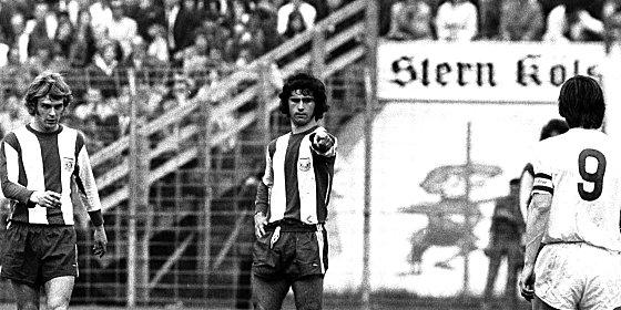 """71/72 - aus """"kleines, dickes M�ller"""" war der """"Bomber der Nation"""" geworden: Gerd M�ller neben Rainer Zob"""