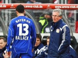 Konfliktpotenzial: Michael Ballack geht als Verlierer, Bayer-Coach Jupp Heynckes als Ehrenmann.