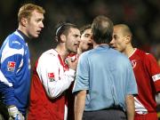 Ansichtssache: Die Cottbuser waren nicht immer einer Meinung mit Schiedsrichter Lutz Wagner.