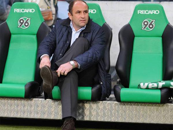Fußball, Bundesliga: Christian Hochstätter, Sportdirektor von Hannover 96, hört nach der saison bei den Niedersachsen auf.