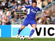 Fußball, Bundesliga: Albert Streit wechselt nicht nach Hannover, sondern zum Hamburger SV.