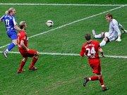 Hertha Voronin trifft zum 1:0 gegen Leverkusen