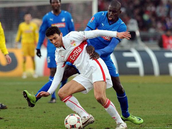 Khalid Boulahrouz vs. Demba Ba (re.)