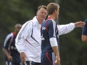 Louis van Gaal und Michael Rensing