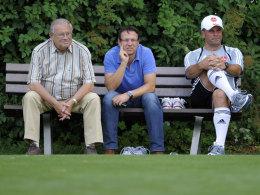 Der scheidende Präsident Franz Schäfer, Manager Martin Bader und Trainer Dieter Hecking.