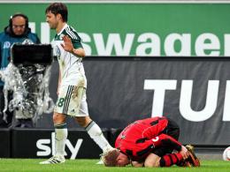 Ermittlung: Der DFB vermutet, Wolfsburgs Diego habe Frankfurts Ochs mit Absicht in die Ferse getreten.