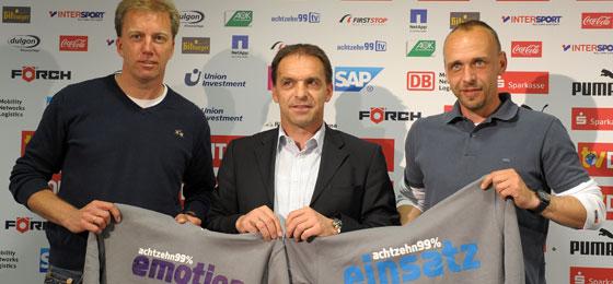 Willkommen in Hoffenheim! 1899-Manager Ernst Tanner (Mi.) mit dem neuen Trainergespann Holger Stanislawski (r.) und André Trulsen.