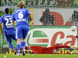 Vidal trifft gegen Wolfsburgs Hitz