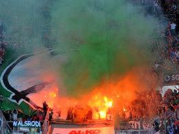 Der 96-Block beim Auswärtsspiel in Augsburg