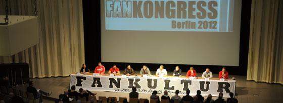 Beim Fankongress diskutieren Vertreter von Fanprojekten mit Funktionären von Verbänden und Vereinen sowie Wissenschaftlern.
