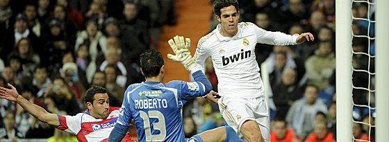 Nah dran am Tor (hier gegen Granada), auch nah dran am Transfer? Kaka soll sich mit PSG einig sein.