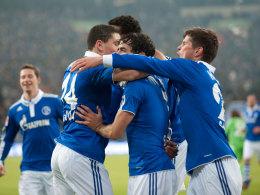 Schalker Jubel: Raul trifft gegen Wolfsburg zur Führung.