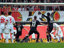 Doppeltorschütze: Hier markiert Lars Bender das 1:0 für Leverkusen.