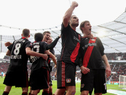 Leverkusen jubelt mit Torschütze Kießling