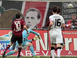 Siegtreffer für Nürnberg: Joker Bunjaku macht in der Schlussphase das 1:0.