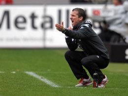 Marco Kurz beim Spiel gegen Schalke