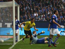 Dortmunds Sebastian Kehl hat auf Schalke getroffen.