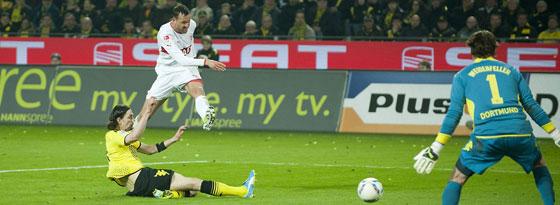 Julian Schieber trifft gegen Borussia Dortmund