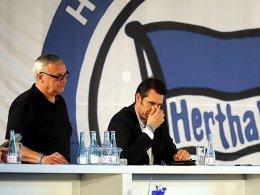 Hertha-Präsident Werner Gegenbauer und Manager Michael Preetz (re.).