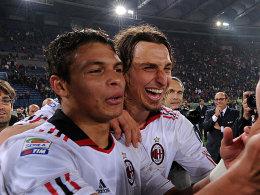 Ibrahimovic und Thiago Silva wechseln vom AC Mailand zu Paris St. Germain.
