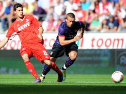 Im Hintretreffen: Kölns Strobl gegen Arsenals Podolski.