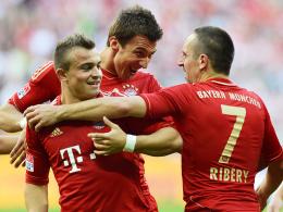 Ribery (re.) wird den Bayern wahrscheinlich fehlen, dann dürfte wohl Shaqiri (li.) ran. In der Mitte Mandzukic.