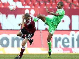 Naldo gegen Nürnbergs Timmy Simons