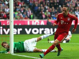 Ribery hat Frankfurts Keeper Trapp zum 1:0 für den FC Bayern überwunden.