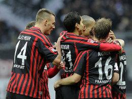 Frankfurt, links mit Doppeltorschütze Meier, feierte gegen den FCA einen verdienten 4:2-Erfolg.