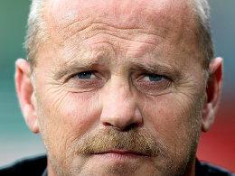 Werder-Trainer Thomas Schaaf hat am Allofs-Wechsel ganz schön zu knabbern.