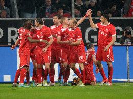 Starke Mannschaftleistung: Fortuna Düsseldorf bejubelte zwei Tore gegen den HSV.