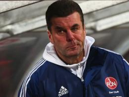 Knorpelschaden: FCN-Coach Dieter Hecking wird am Knie operiert.