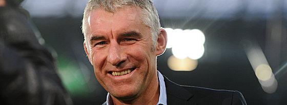 Die Tinte ist trocken: Mirko Slomka hat einen neuen Vertrag bei Hannover 96 unterschrieben.