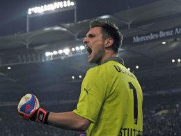 Sven Ulreich jubelt beim 3:1 gegen Schalke