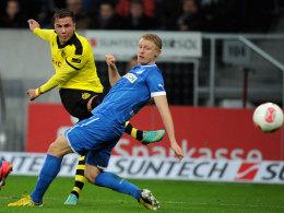 Dortmunds Götze zielt durch Becks Beine und markierte das 1:0 gegen Hoffenheim.